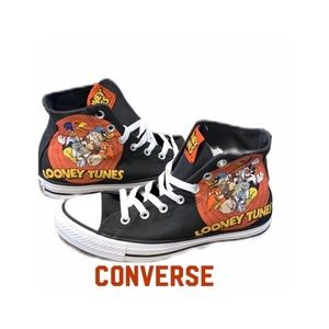 Converse Hi-Top Looney Tunes Sneakers NWT Size 8